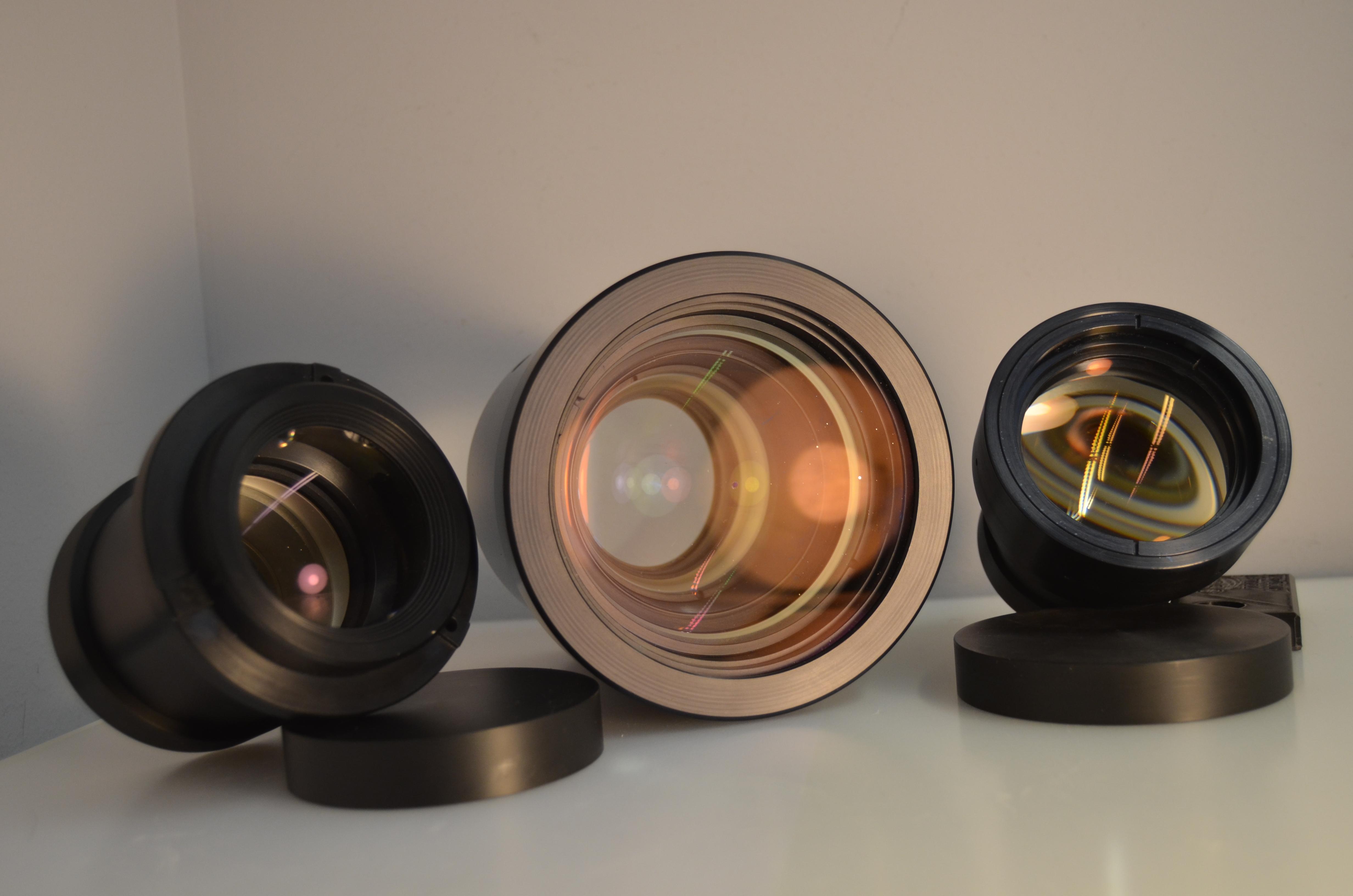 Synchrotron objective lenses